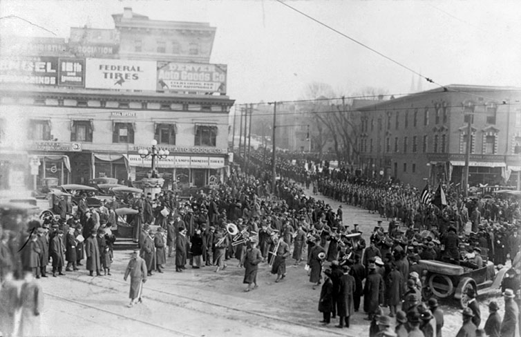 Processione al funerale di Cody, 1917, Denver, Colorado (USA).